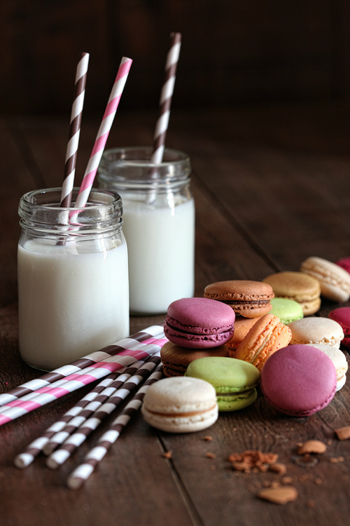 Vintage Paper Straws and Macaroons